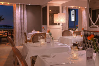 Picture Harveys at Winchester Mansions in Sea Point, Atlantic Seaboard, Cape Town, Western Cape, South Africa