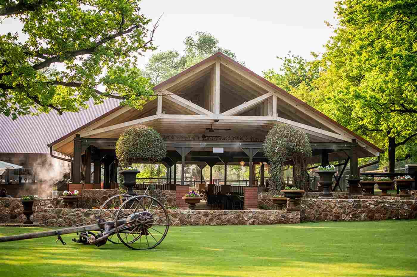 Irene Farm - The Deck and The Barn Restaurants
