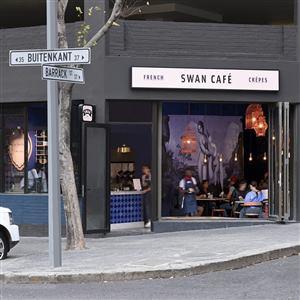 Swan Caf� - Parisian - Cr�perie