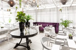 H13 Restaurant & Courtyard @ The Hyde Hotel