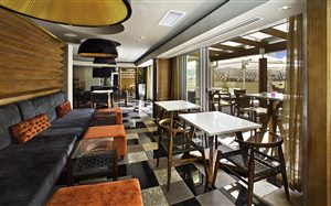 Signal Hill Lounge & Terrace