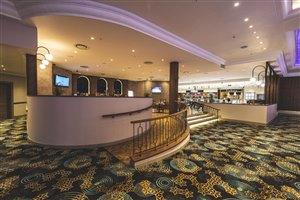 Felix @ Hemingways Casino