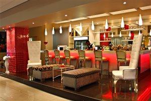 Rockwell Caf� & Bar