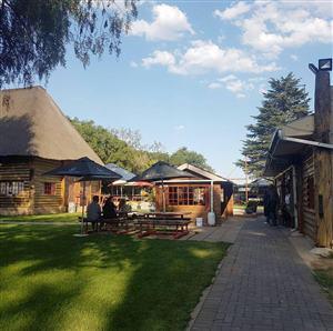 Dean's Log Inn
