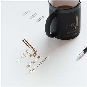 Caf� J