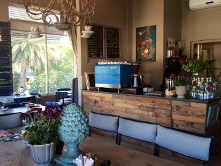 The Blue Door Caf�
