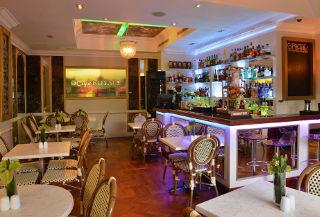 Caf� Royale - Cape Royale Luxury Hotel