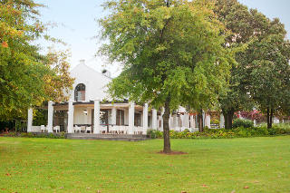 Cuv�e Restaurant at Simonsig Estate