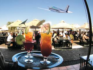 The Harvard Caf� - Rand Airport
