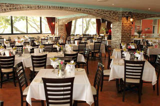 Richard's Supper Stage & Bistro