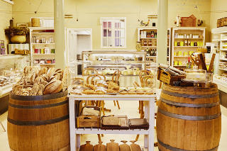 Saucisse Boutique Deli and Restaurant